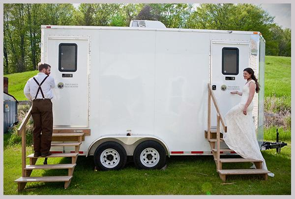 Our Luxury Portable Bathrooms offer private facilities for men and women.